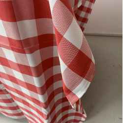 90x90 Gingham Table Cloths - Red