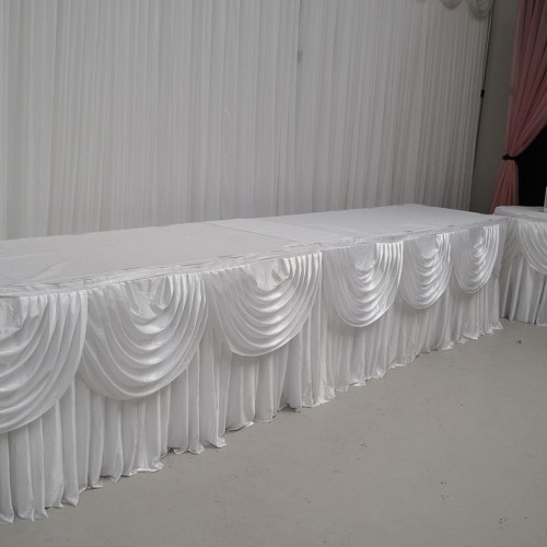 Table Skirt with Swags